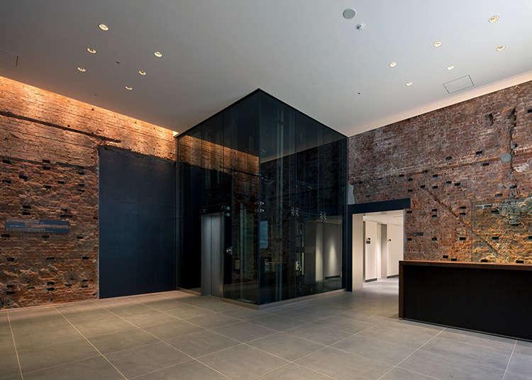 100年もの歴史あるレンガ壁の展示室