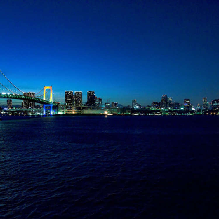 Shibaura: Walking along the Rainbow Bridge