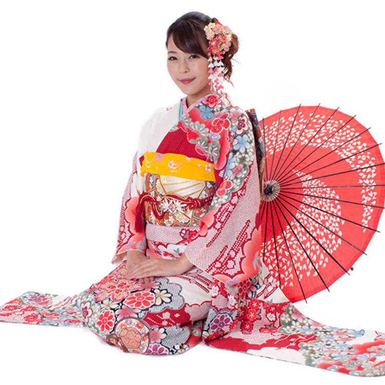 How About Strolling the Streets of Asakusa While Wearing a Kimono?