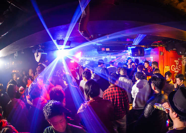 Experience the Exciting Nightlife of Roppongi!