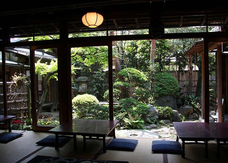 일본 민가의 다다미방에서 일본식 카페 타임