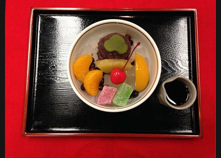 夏季風物詩「餡蜜」發祥店鋪  「あんみつ」翻譯參考:http://www.welcome2japan.tw/attractions/dining/sweets/ 因下文會解釋「餡蜜」是何種甜品,故標題不做註釋。