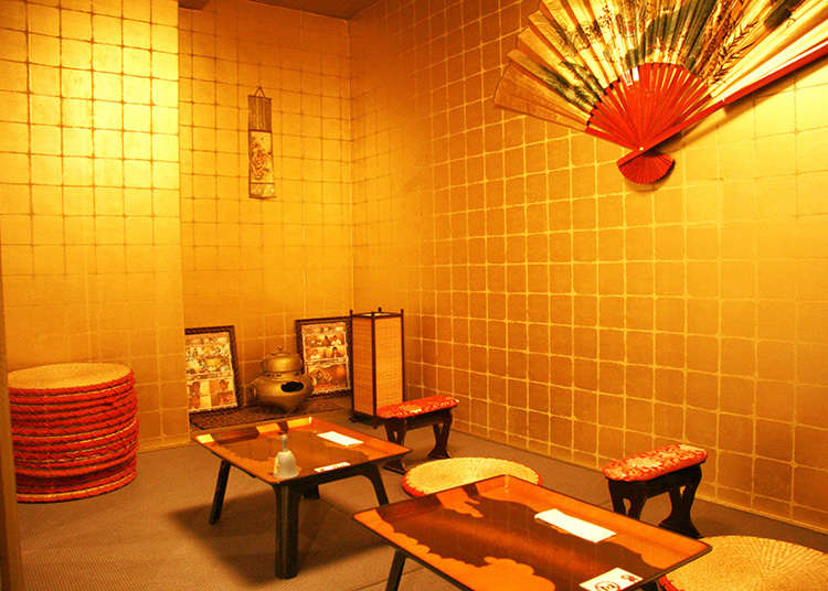 Feel like a military commander in this Sengoku period-style maid cafe!