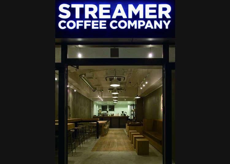 Menikmati kopi asli dari barista