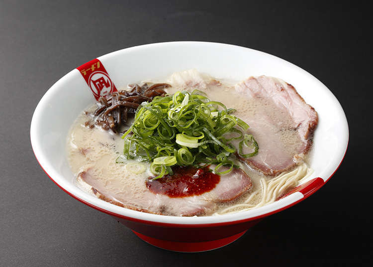 Butao, a tonkotsu ramen shop and a long queue