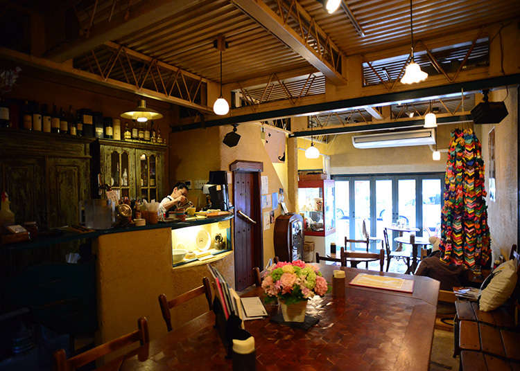 2. Gallery ef - Cafe with a traditional Japanese storehouse