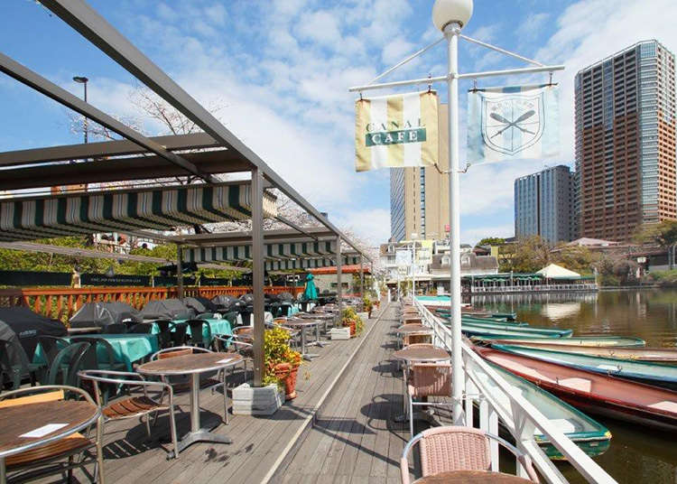 Cafe on the water to enjoy four seasons in Tokyo
