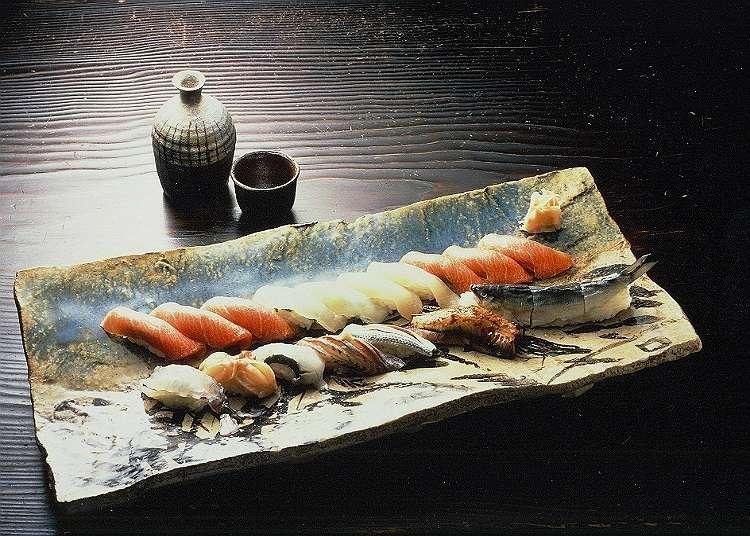 Makan tengahari mewah di kedai sushi berkelas tinggi