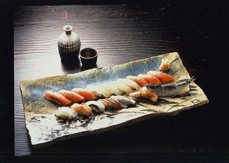 Menikmati sushi mewah di Ginza