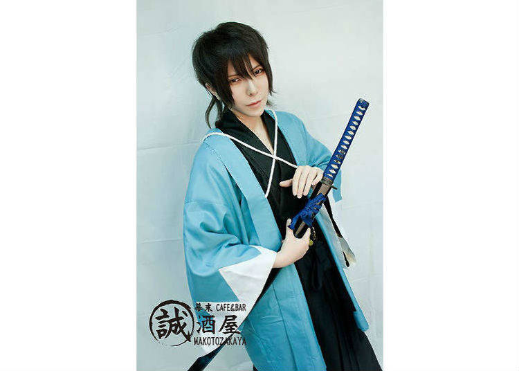 Welcomed by handsome men dressed in costumes of Shinsengumi!