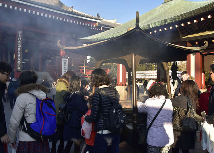 Bathing in smoke at Sensoji Temple