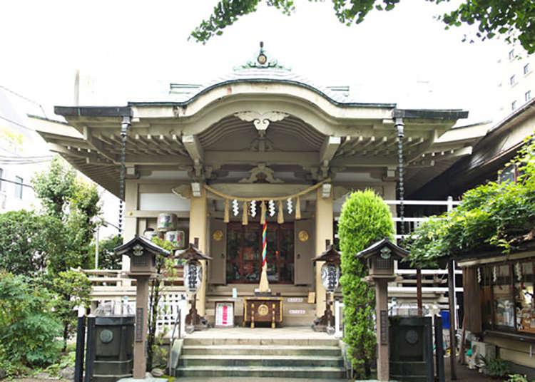 エメラルドの屋根「矢先稲荷神社」