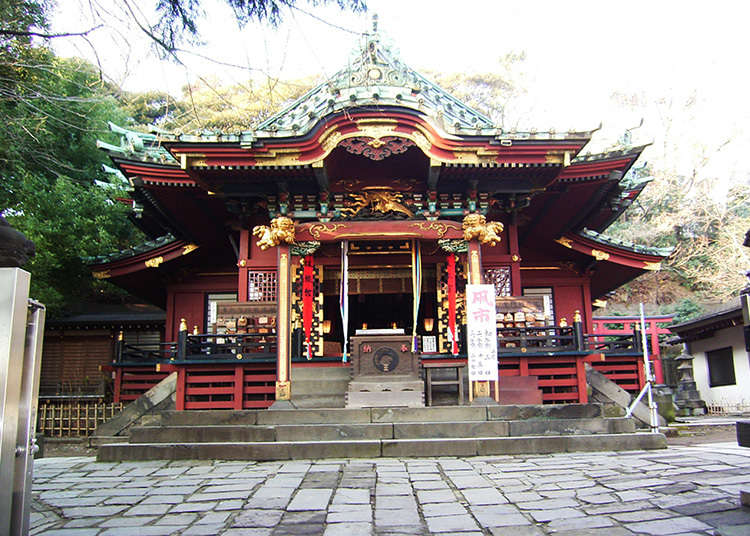 Status of Top-ranking Inari Shrine in Kanto, Oji Inari, Dating Back to the Edo Period