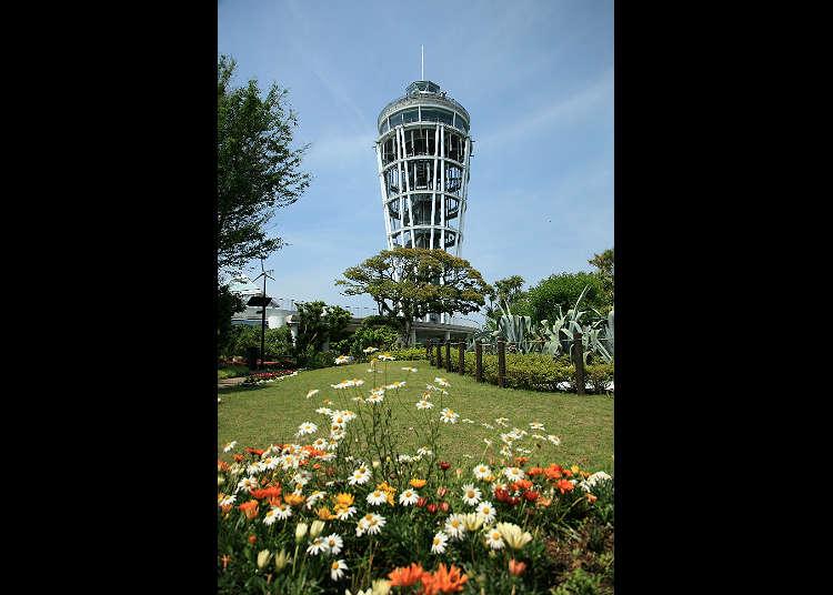 展望灯台「江の島シーキャンドル」へ