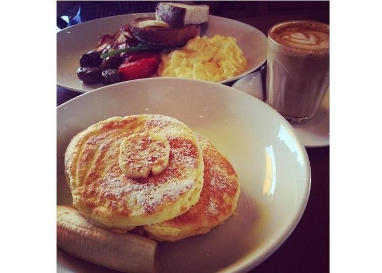 在「bills 七里濱」與寬闊海景享用世界第一的早餐