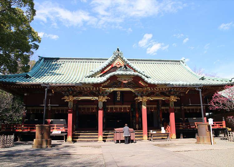 """在历史悠久且庄严的""""根津神社""""进行参拜"""
