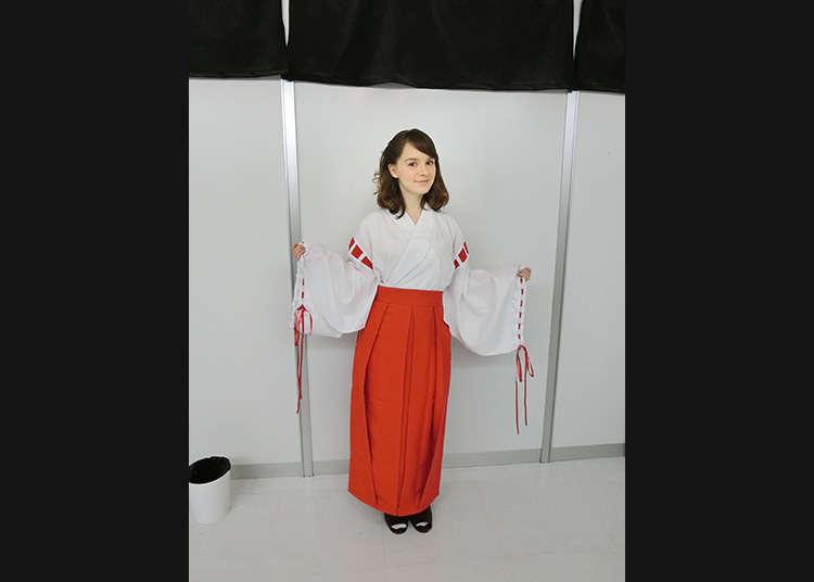 服裝就決定是巫女了!