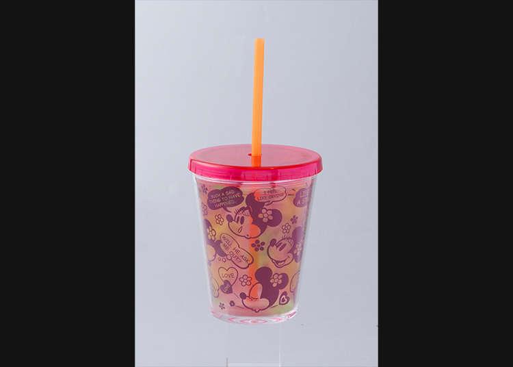 Cawan bersama straw (Cup with straw)