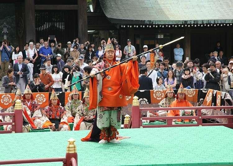 Menyaksikan Kesenian Tradisional dalam Meiji Jingu Haru no Taisai (Meiji Shrine Spring Grand Festival)