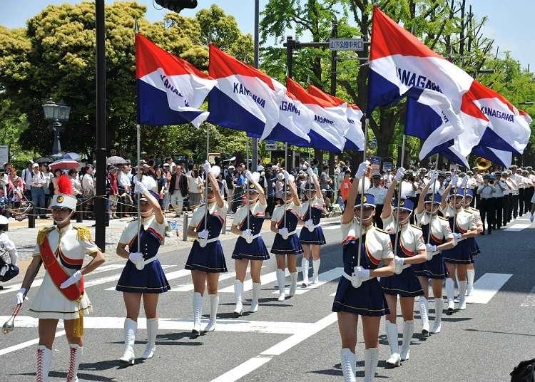 """""""THE YOKOHAMA PARADE"""" yang diadakan di Minato-machi."""