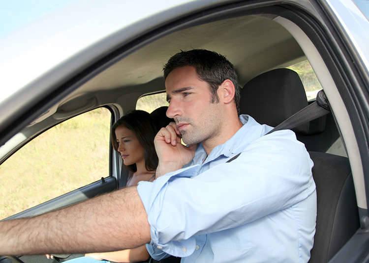 禁止驾驶时使用电话