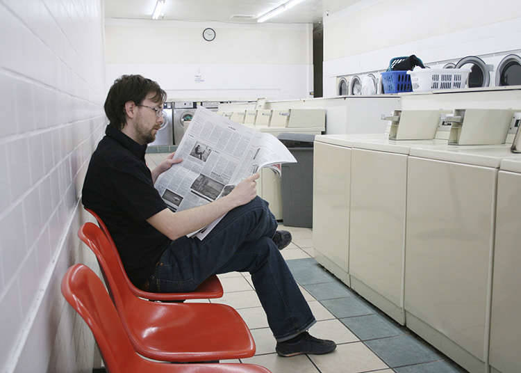 การใช้เวลาในห้องเครื่องซักผ้าหยอดเหรียญ