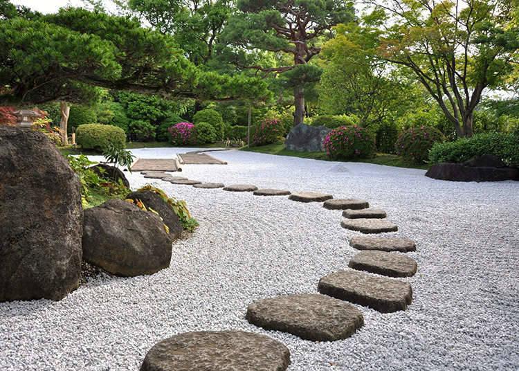 Galeri seni yang mempunyai taman tradisional Jepun