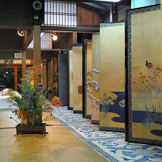 Kuas dan Tinta: Keindahan Lukisan Jepang