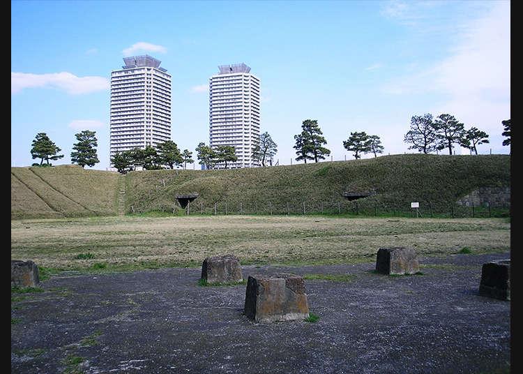 今も残る砲台の跡