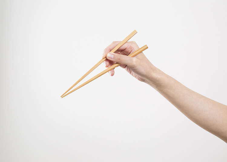 How to Hold and Move Chopsticks