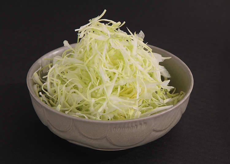作为配菜的圆白菜