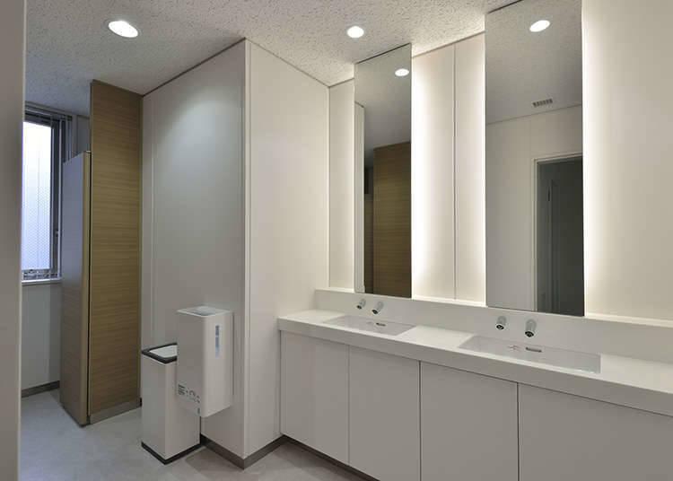 干净的洗手间