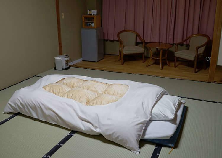 睡觉时使用地铺被褥