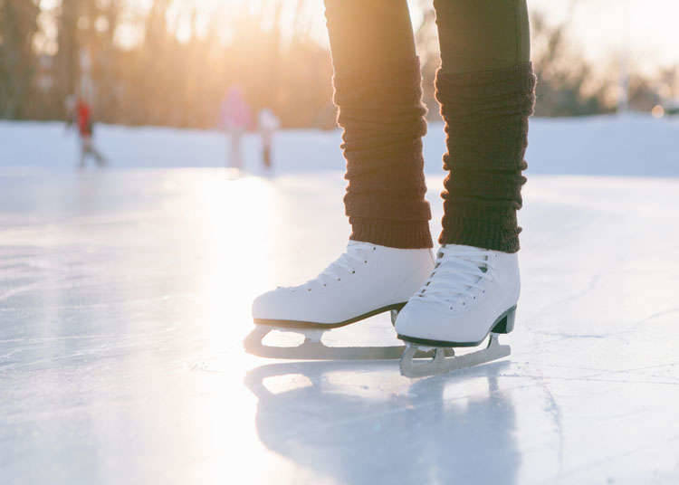 Luncur ais (ice skating)
