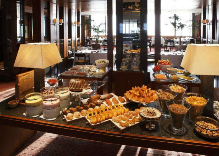 Shinjuku's Most Luxurious Breakfast Buffet