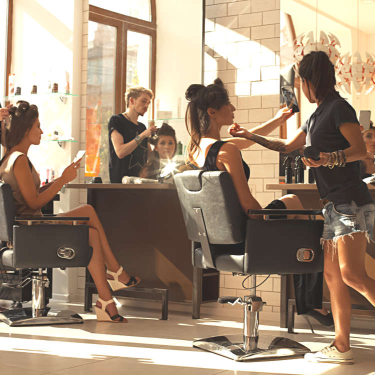 7 Stylish English-Speaking Hair Salons in Tokyo