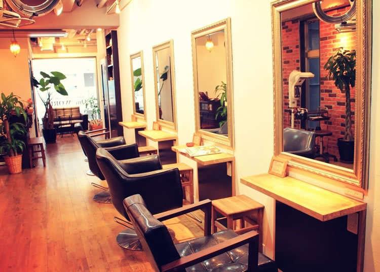 One WORLD: Is This a Café or a Hair Salon?