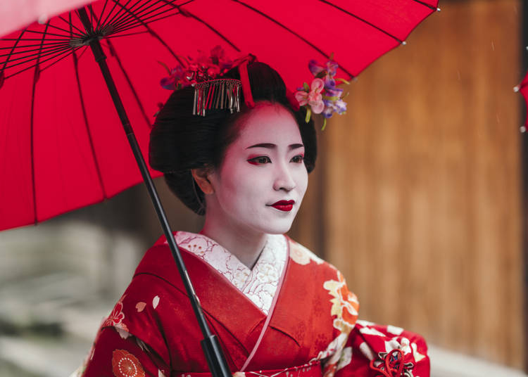 "Observe ""Oiran"" Paint Edo in Splendid Colors"