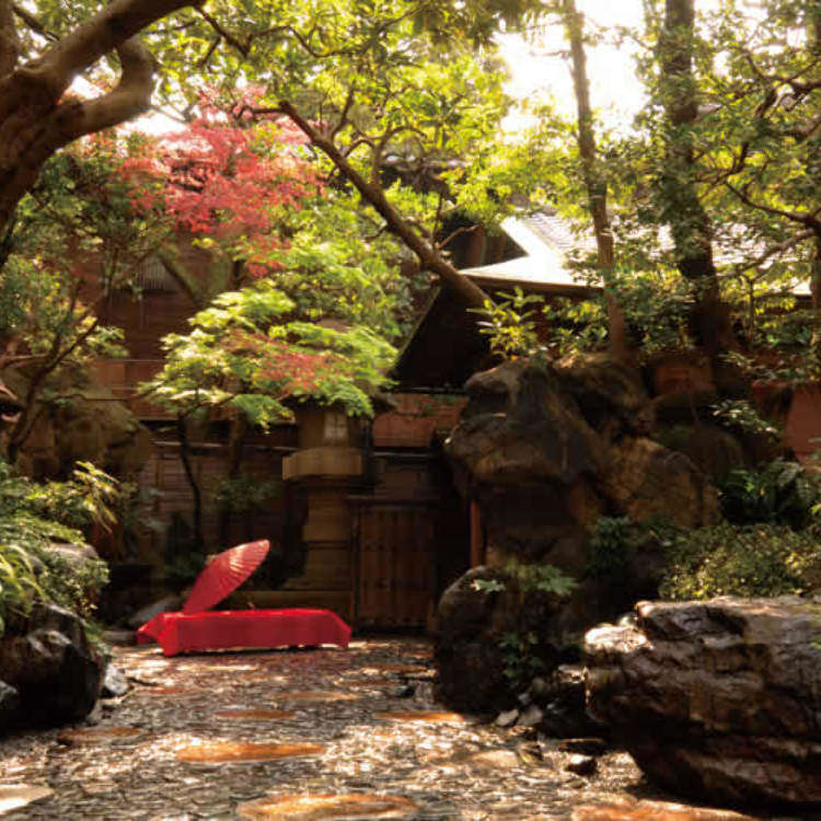 Step Into Another World: 6 Beautiful Japanese Tea Houses & Gardens Around Tokyo!