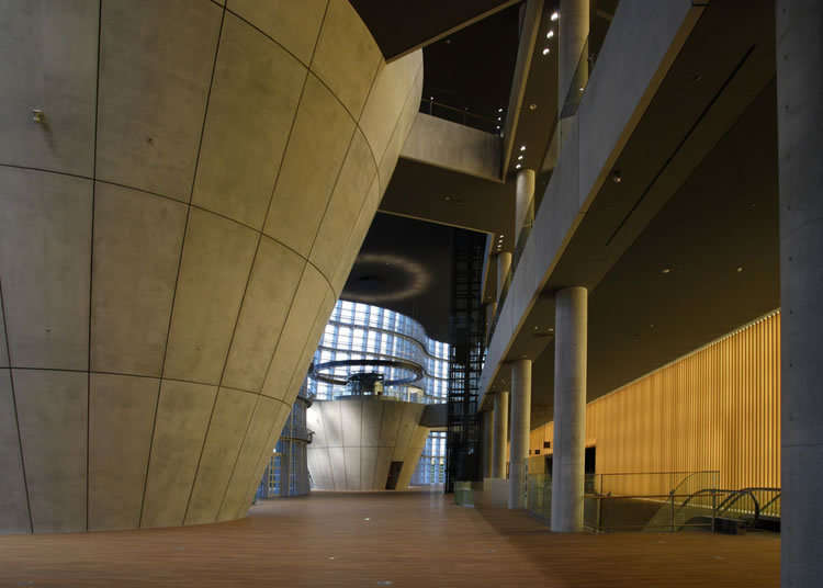 黑川纪章设计的建筑物也是必看之处