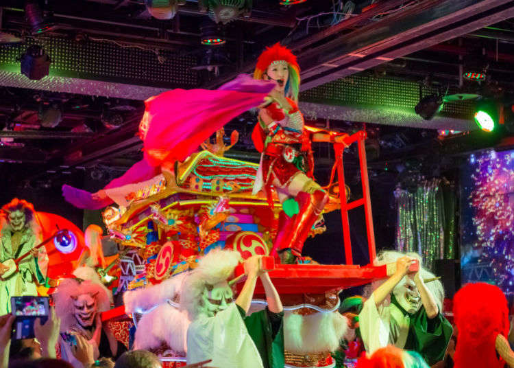 Experience the Robot Restaurant During Your Tokyo Trip!