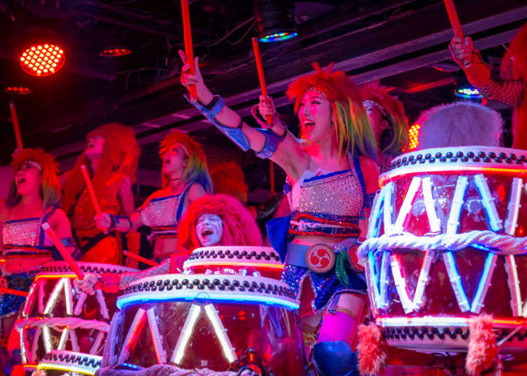 「女戦による和太鼓の演奏」