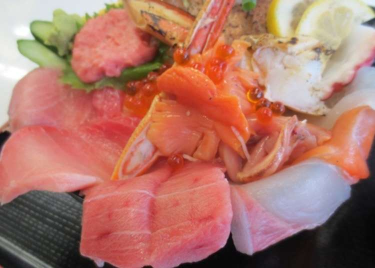 菜單內容豐富的海鮮料理店