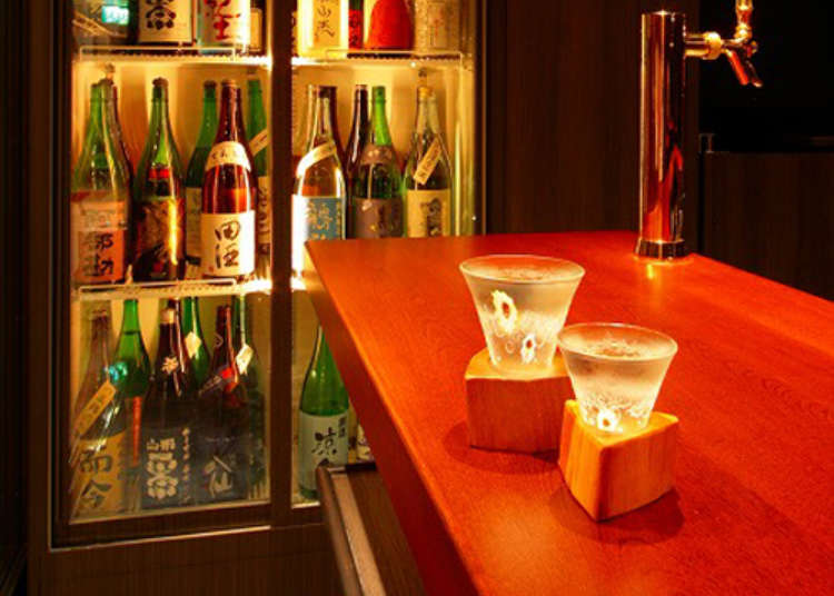 在立式酒吧享用日本全国的日本酒