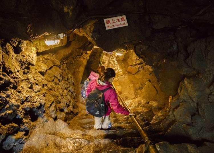 夏でも寒い溶岩洞窟