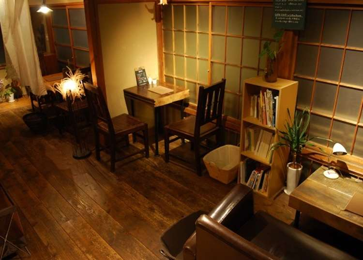Cafe in a renovated traditional Japanese-style house located in a back alley near Atami Station