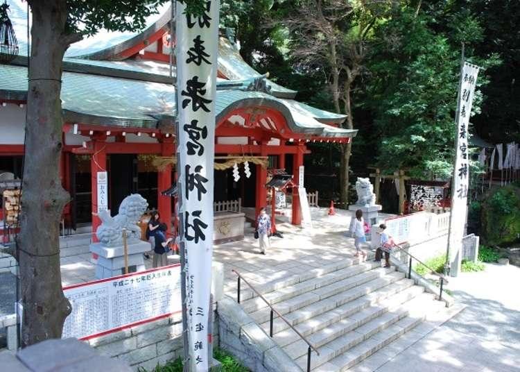 Kuil Kinomiya yang melindungi tanah Atami