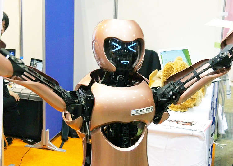 【MOVIE】The Future Awaits: Robots At Your Service!