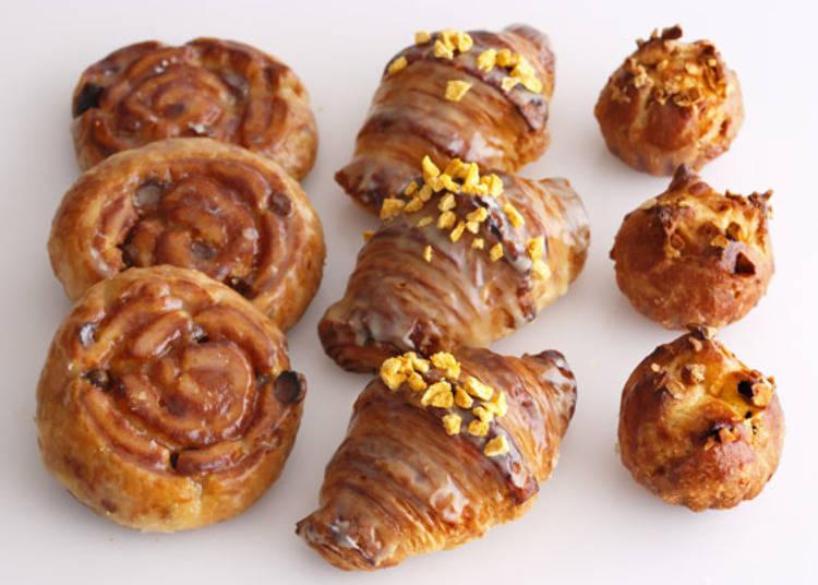 隨時備有25種麵包的自助早餐
