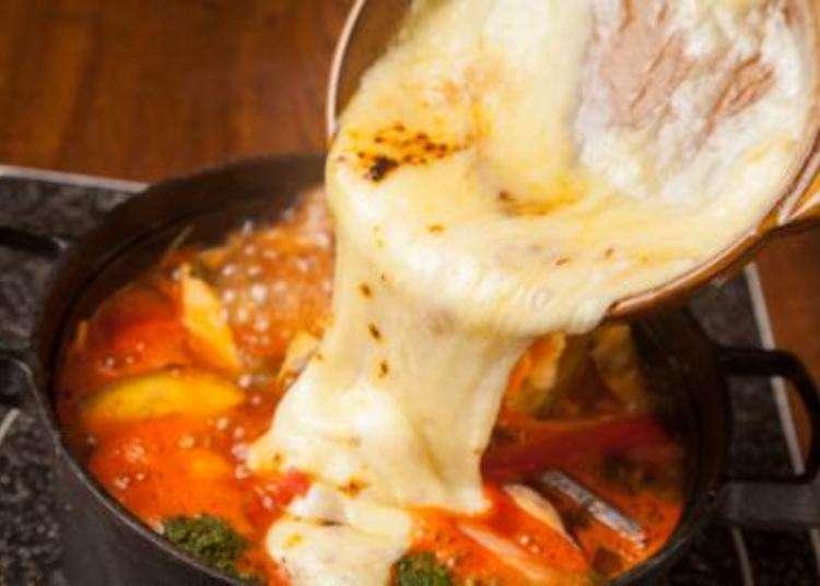 こってり味の「ラクレットチーズ鍋」は20代に人気